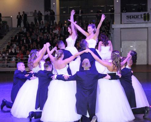 Szalagavató tánc